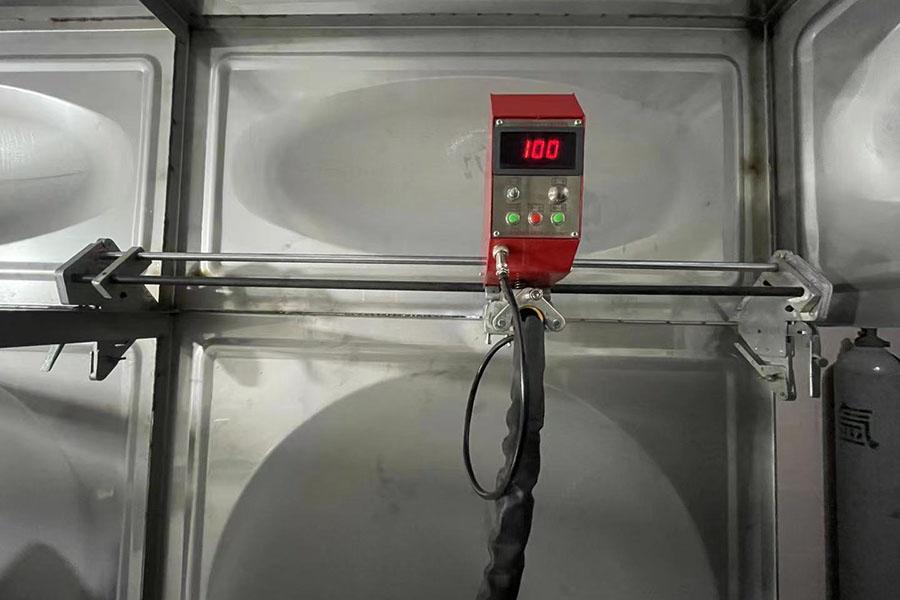 不锈钢水箱侧板自动焊机